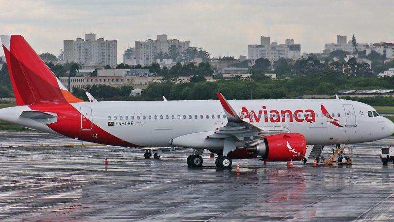 Com devolução de aviões, Avianca cancela mais voos em todo o país