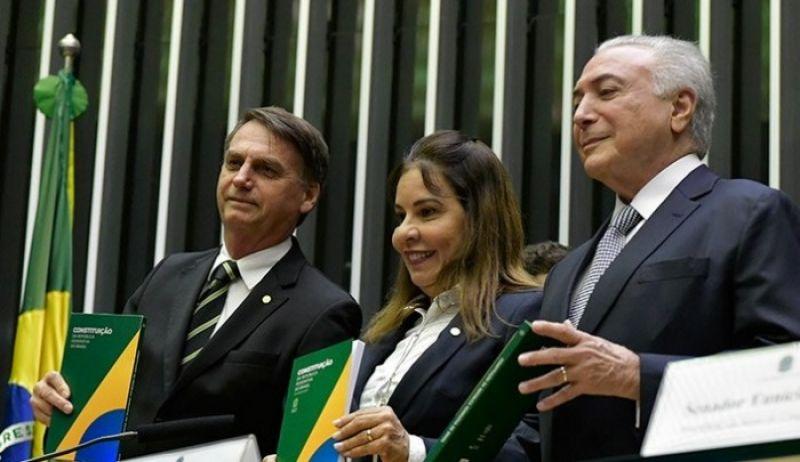 Veja discursos de Bolsonaro e Temer na formalização da transição