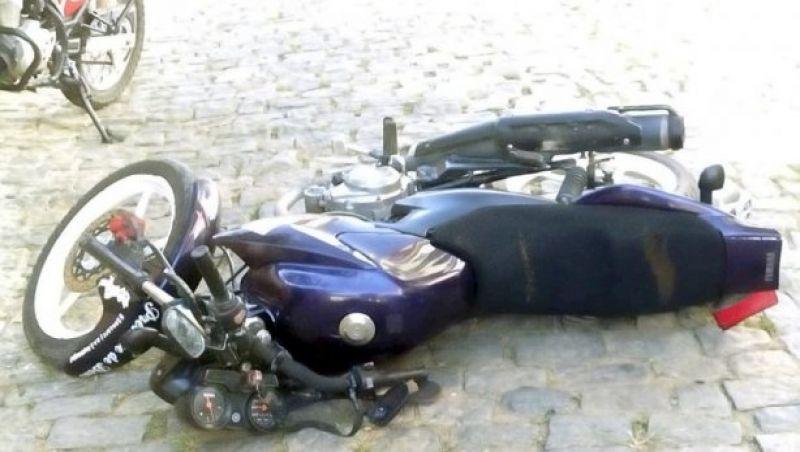 Motoqueiro inabilitado é detido pela PM após perseguição policial em Além Paraíba