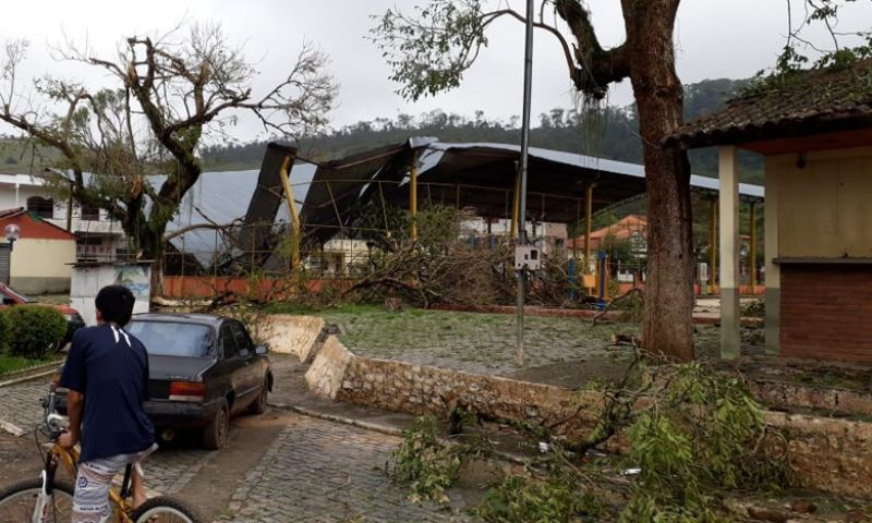 Após tempestade, Simão Pereira está sem fornecimento de energia e água