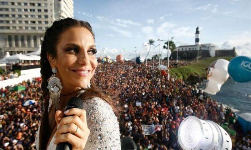 Dois meses após parto de gêmeas, Ivete Sangalo retoma shows