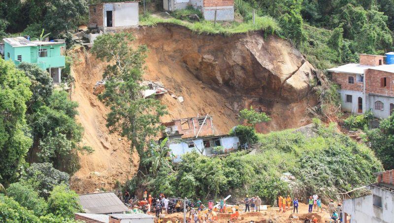 Deslizamento em Niterói era difícil de prever, diz serviço geológico