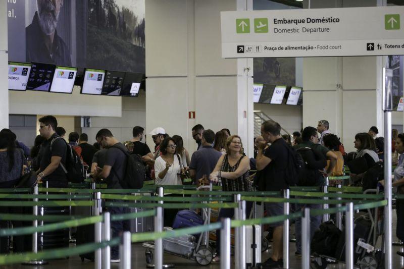 Mais de 100 milhões de pessoas viajaram de avião no último ano