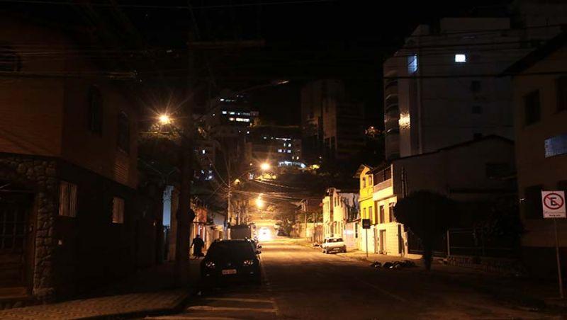 JF tem mais de 500 solicitações de manutenção de iluminação pública pendentes