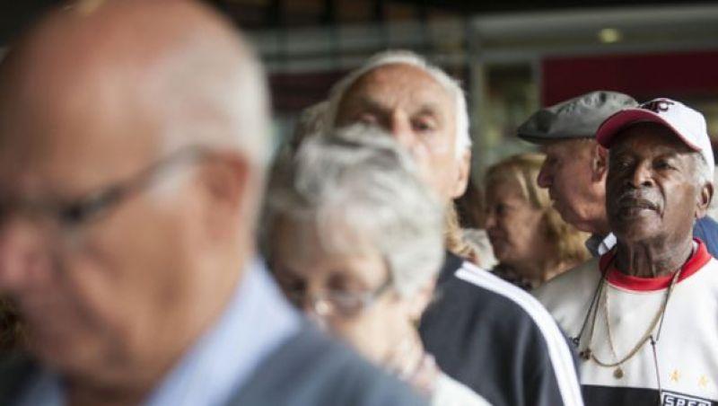 Pesquisa revela que 43% dos idosos respondem pelo sustento da casa