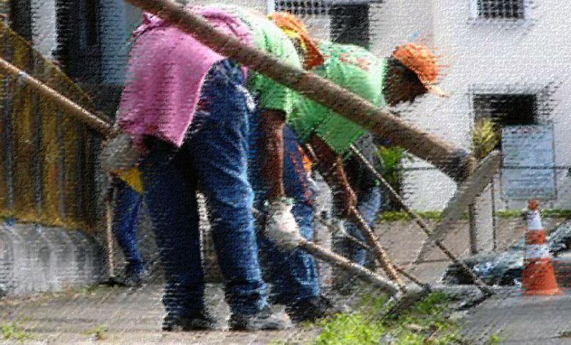 Demlurb trabalha nas margens do Rio Paraibuna e na Estrada Gentil Forn em Juiz de Fora