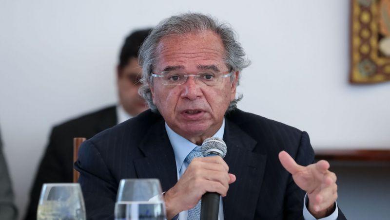Sistema atual é um manicômio tributário, diz Guedes