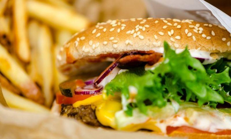 OMS pede que gorduras trans sejam eliminadas da indústria até 2023