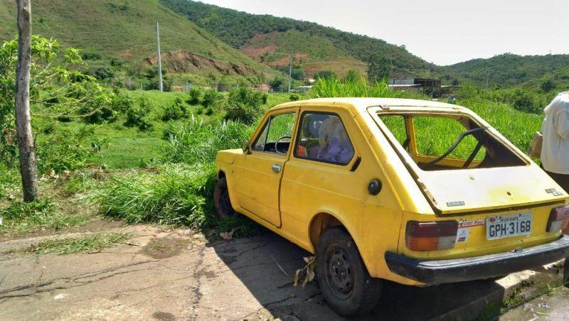 Carro cai no Rio Paraibuna e condutor está desaparecido em Juiz de Fora