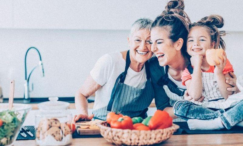 Saiba quais são os alimentos indispensáveis no cardápio do idoso