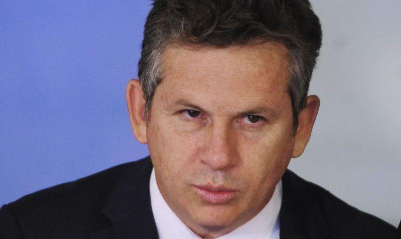 Governador de Mato Grosso é internado com pneumonia