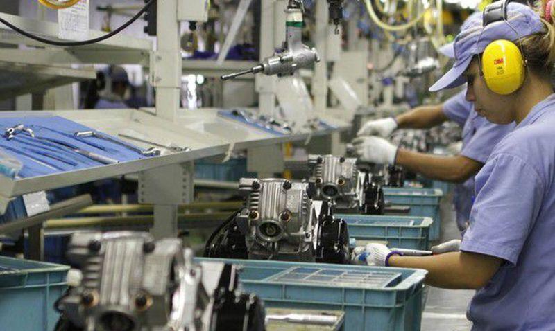 Produção industrial encerra 2019 com queda em sete locais