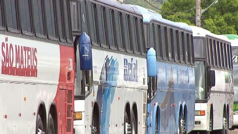 Proprietários de ônibus e micro-ônibus realizam ato em Juiz de Fora contra nova lei de fretamento
