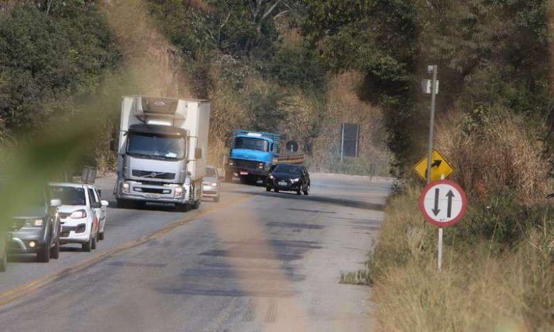 PRF reforça fiscalização nas estradas para feriado de Nossa Senhora Aparecida