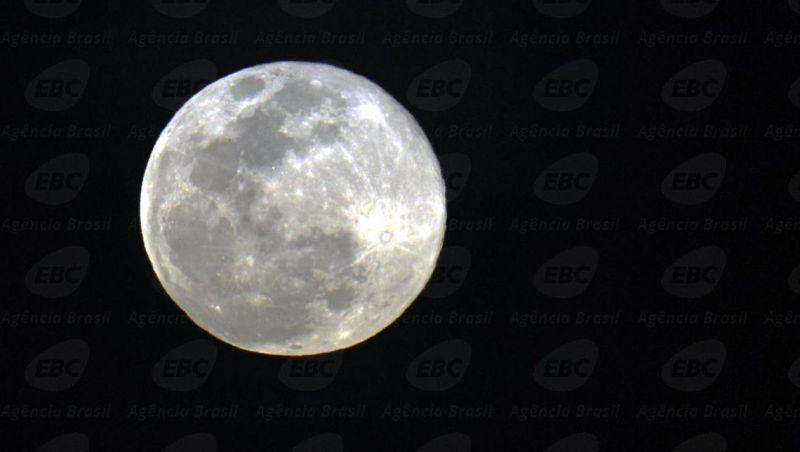 Observatório da UFRJ realiza amanhã primeira noite astronômica do ano