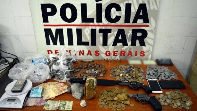 Polícia Militar apreende armas, drogas e prende suspeito de crimes em Leopoldina