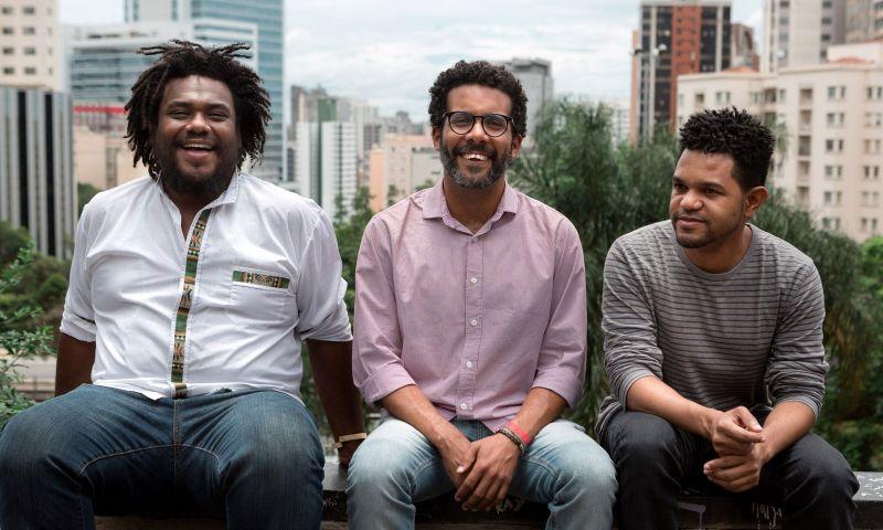 Brasileiros criam empresa de turismo para negros após sofrerem preconceito em viagens