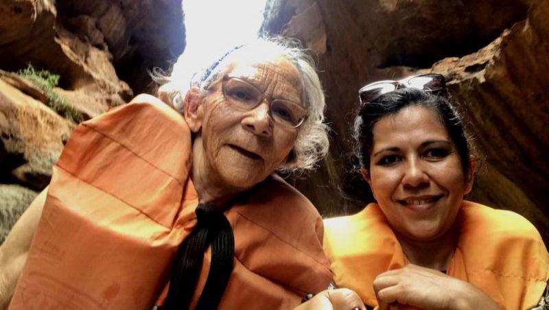 Idosa dribla medo de avião e do mar e viaja pela 1ª vez aos 73 anos