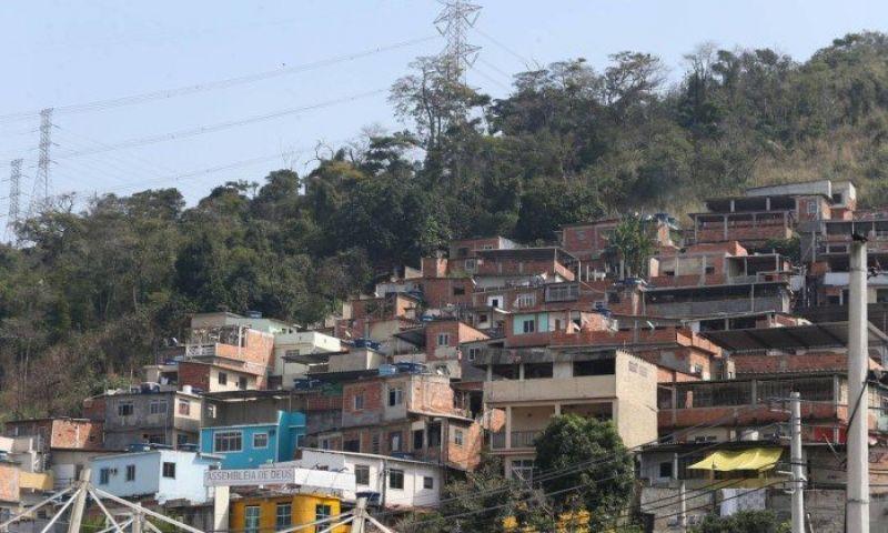 Polícia Civil do Rio prende milicianos e apreende armas de guerra