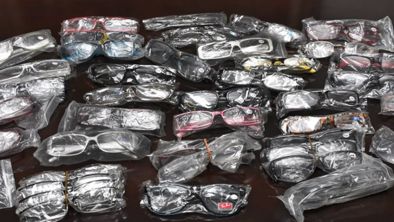 Secretaria de Atividades Urbanas de Juiz de Fora doa mais de 1.300 óculos para projeto da Secretaria de Educação