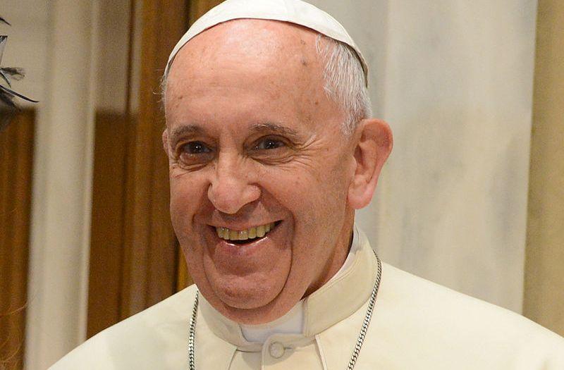 Em novo decreto, papa autoriza mais funções para mulheres na Igreja