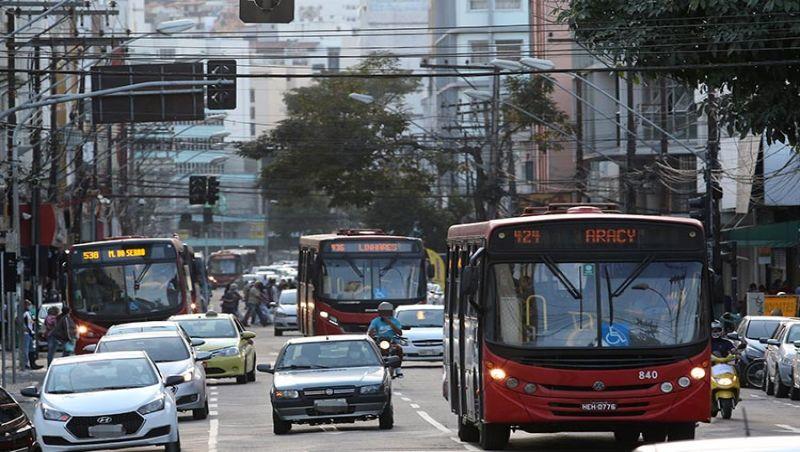 JF: Sindicato retira indicativo de greve e ônibus da GIL circulam nesta terça-feira