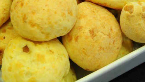 Sabia que na quinta-feira, 17 de agosto é comemorado o Dia do Pão Queijo?