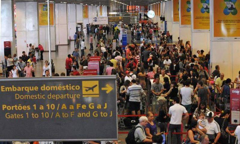 Pesquisa mostra qual o melhor dia para comprar passagens aéreas