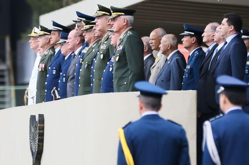 Governo dá aval para comissão reavaliar a previdência de militares