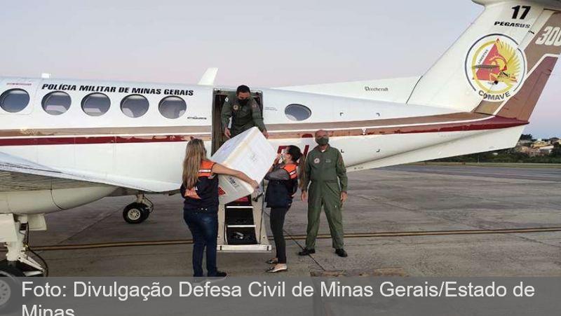 Começa distribuição de vacinas contra a COVID-19 para o interior de Minas