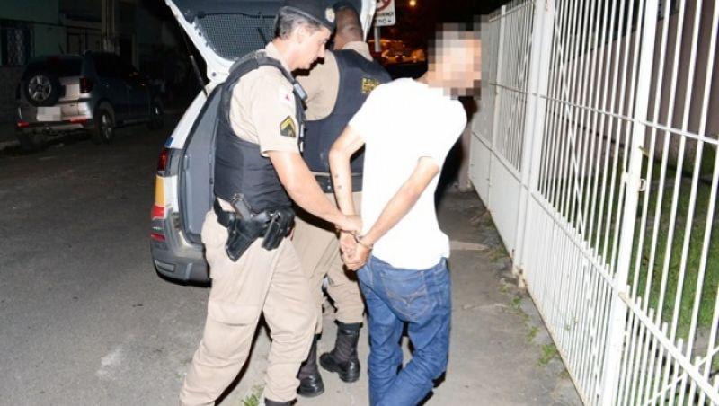 Suspeito de praticar vários roubos em Muriaé é preso pela PM