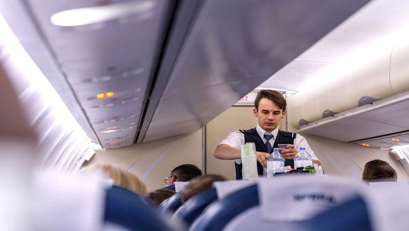 Anac recomenda fim de serviço de bordo em voos nacionais