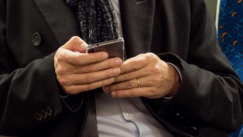 Eleitor que fizer enquete em redes sociais pode ser multado em até R$ 329 mil