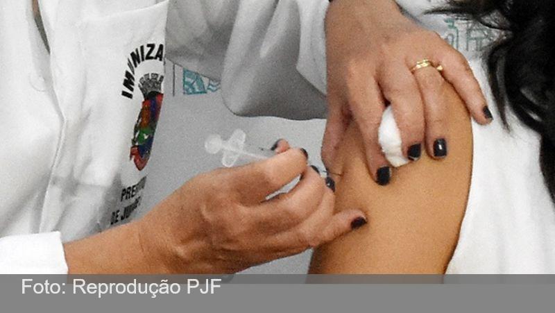 Termina nesta sexta, 26, vacinação dos profissionais de saúde com 60 anos ou mais