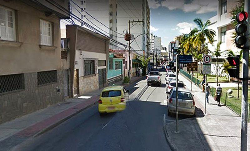 Cesama realiza travessia da rede de água da Rua Santo Antônio em JF neste final de semana