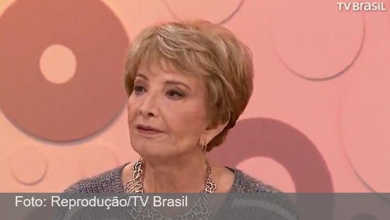 Glória Menezes tem alta após internação por covid-19