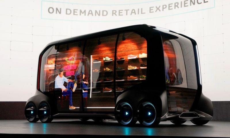 Toyota mostra 'loja sobre rodas' que vai até o consumidor sem motorista