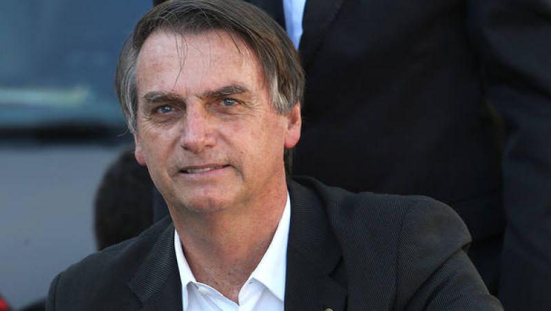 Bolsonaro inicia alimentação por via oral