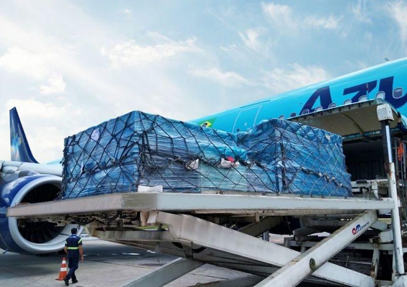 Avião vai trazer para Minas 1,6 milhão de testes rápidos de Covid-19 da China