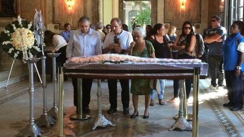 Corpo da atriz Eva Todor é velado no Theatro Municipal do Rio
