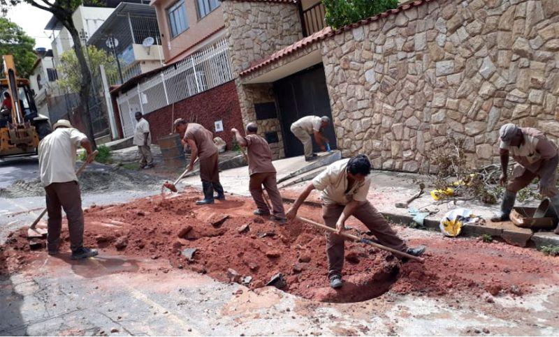 Secretaria de Obras de Juiz de Fora faz manutenção em redes de drenagem atingidas pelas chuvas