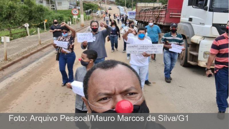 No dia em que deveriam receber casas, vítimas de Mariana protestam