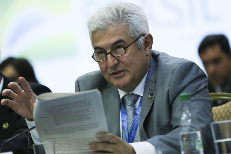 Após indisposição, ministro Marcos Pontes faz exames em Brasília