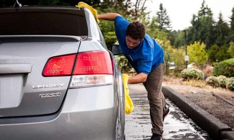 Qual sabão usar para lavar carros?