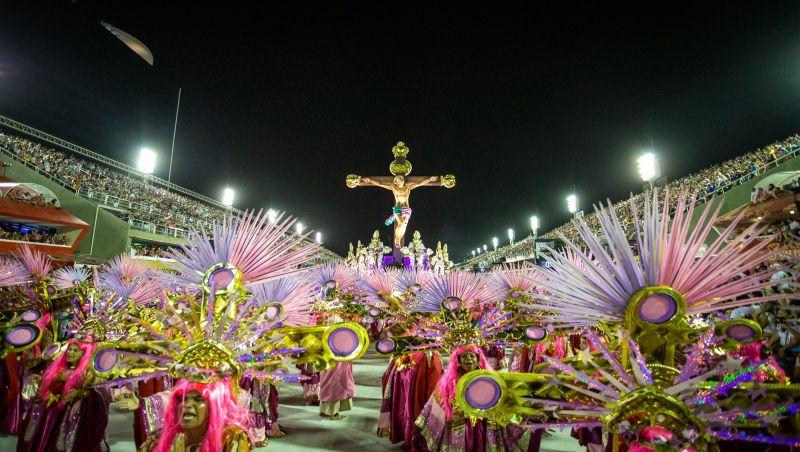Mangueira, Viradouro e Grande Rio são destaques do 1º dia do Grupo Especial do carnaval do Rio