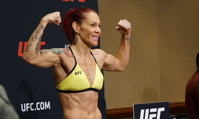 Sem problemas com peso, Cyborg e Holly confirmam luta por cinturão no UFC 219