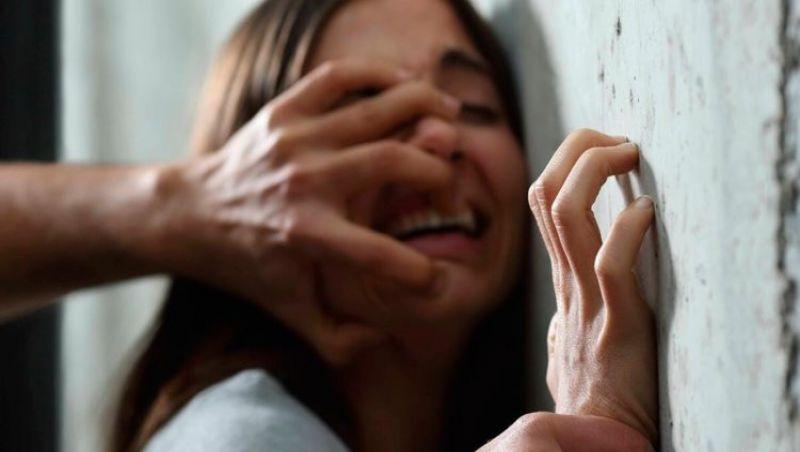 Jovem é estuprada em Contagem e autor obriga mãe da vítima a assistir ao crime