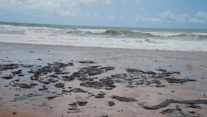 Surgem novas manchas de óleo no litoral sul do Rio Grande Norte