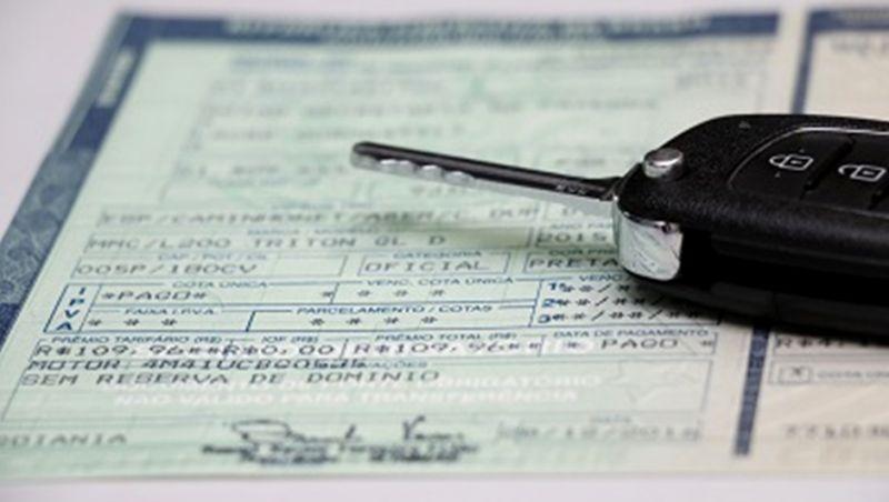 Proprietários de veículos com placas de final de 1 a 5 tem até esta quarta para regularizar o licenciamento