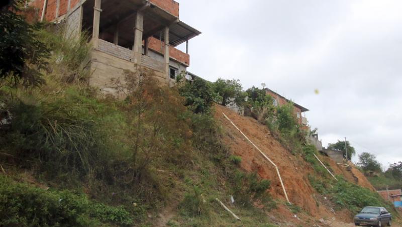 Juiz de Fora tem quase 130 mil pessoas vivendo em áreas de risco